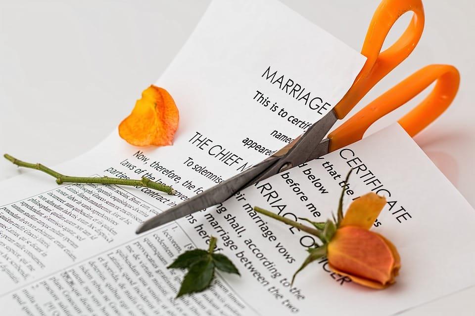 szakítás, válás